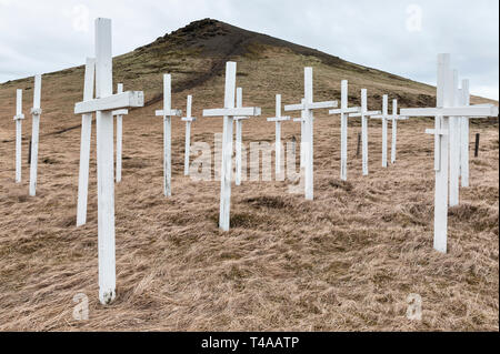 Suðurlandsvegi, Iceland. Roadside crosses in memory of those killed in traffic accidents on a dangerous stretch of the Ring Road (Route 1) - Stock Image