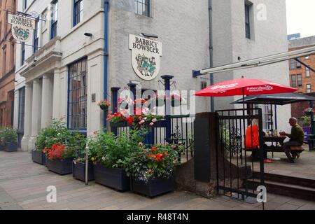 Exterior view of Babbity Bowster hotel, pub bar and restaurant. The building is a restored Robert Adam house (circa 1790), in Glasgow, Scotland, UK - Stock Image