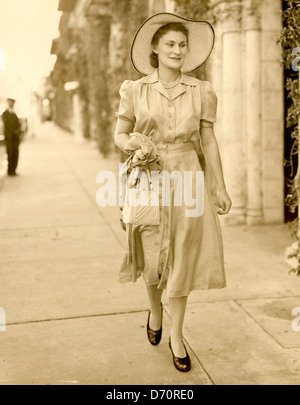 Mrs. Diana Guest, Worth Avenue, Palm Beach, ca 1935 - Stock Image