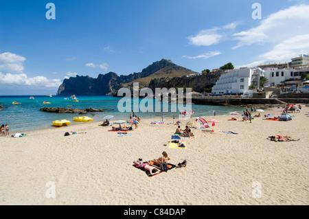 Mallorca, Cala Sant Vicenc, beach, holiday makers, hotels - Stock Image