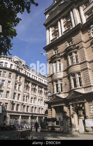 Buildings at Finsbury Circus London - Stock Image