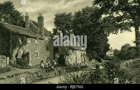 View of the Swan Inn, Fittleworth, near Chichester, West Sussex, popular with artists for its picturesque appearance. - Stock Image