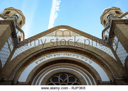 Novi Sad Synagogue - the yellow clinker brick building was built in the early 1900's, in the city of Novi Sad, Vojvodina, Serbia. - Stock Image