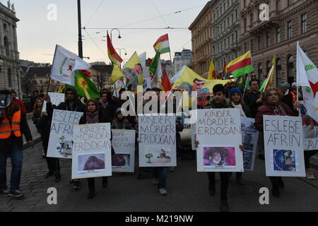 2018, February 2nd. Vienna/Austria. Up to 2.000 people take to the streets to protest against the Turkish military - Stock Image