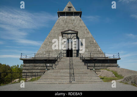 The Minnehallen war memorial or Hall of Remembrance near Stavern in Larvik, Vestfold, Norway. - Stock Image