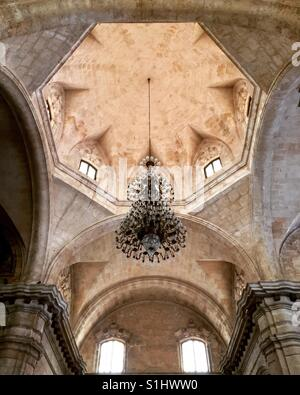 Havana's San Cristobel Church in Cuba - Stock Image