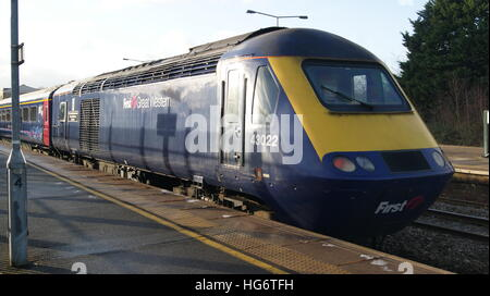 HST locomotive No.43022 sits in Platform 4 of Swindon station in January 2017 branded in First Great Western livery. - Stock Image