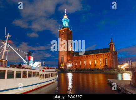 Stockholm City Hall at night, Stockholm, Sweden - Stock Image