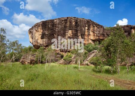 View of the rocks with cave paintings known as the 'Old Man's Hand Site' near East Alligator River, - Stock Image