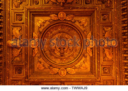 An intricate ceiling, Louvre Museum, Paris, France. - Stock Image