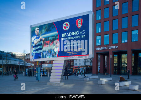 'Reading Lights', the new giant  illuminated LED billboard outside Reading Station, Berkshire, here advertising the next home game for Reading Footbal - Stock Image