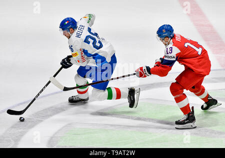 Bratislava, Slovakia. 17th May, 2019. From left ARMIN HELFER of Italy and JAKUB VRANA of Czech Republic, in action during the Ice Hockey World Championships group B match between Czech Republic and Italy in Bratislava, Slovakia, May 17, 2019. Credit: Vit Simanek/CTK Photo/Alamy Live News - Stock Image
