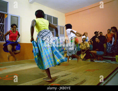 FORT-DE-FRANCE, MARTINIQUE : Traditional Belle dancers dance together at a local school in downtown Fort-de-France. - Stock Image