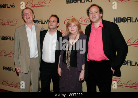 New York, USA. 18 April, 2006. Nigel Williams, Barney Reisz, Suzan Harrison, George Faber at the HBO Films Premiere Of ELIZABETH I at MoMa. Credit: Steve Mack/Alamy - Stock Image