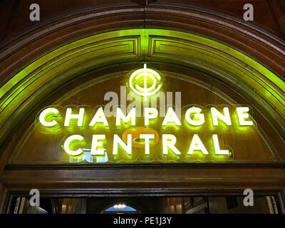 Champagne Central,Central station, Glasgow, Gordon St, Gordon Street,Scotland,pub,bar - Stock Image