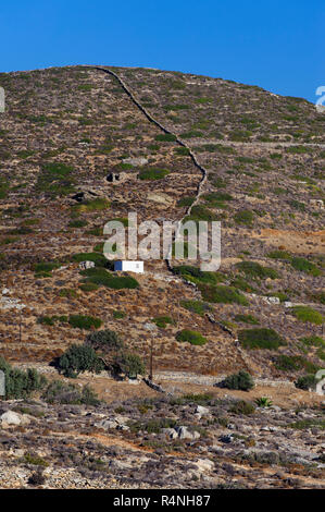 Rural landscape with dry stone walls delimiting agricultural  fields  near Katapola, on the Greek Cyclade island of Amorgos. - Stock Image