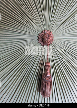 Antique Victorian pull cord and ornate design - Stock Image