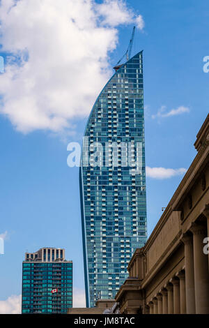 The L Tower (architect: Daniel Libeskind) from Front Street near Union Station, downtown Toronto, Ontario, Canada on a sunny day. - Stock Image