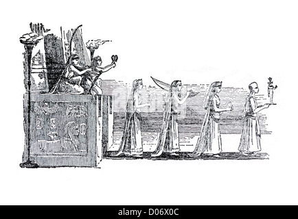 Antique line drawing of an Egyptian procession passing through a pair of pillars - Stock Image