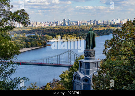 monument to Vladimir with a cross on the background of the Dnieper River Ukraine Kiev 06.11.2018 - Stock Image