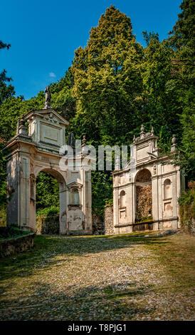 Italy Lombardy Unesco World heritage Site - Sacro Monte di Varese ( Varese sacred Mount ) - Saint Carlo Arc and fountain - Stock Image