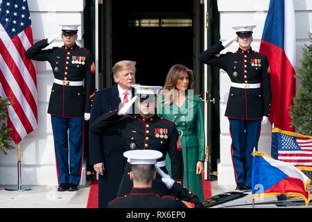 U.S President Donald Trump and First Lady Melania Trump wait for the arrival of Czech Prime Minister Andrej Babis and his wife Monika Babisova at the White House March 7, 2019 in Washington, DC. - Stock Image
