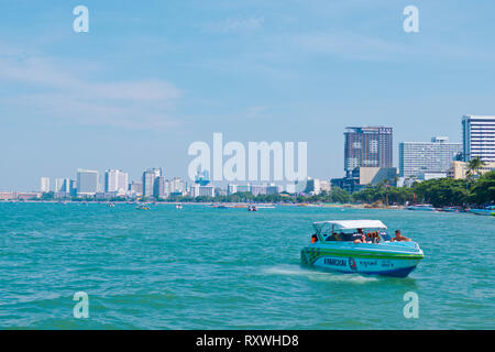 Speed boat, in front of the city beach, Pattaya, Thailand - Stock Image