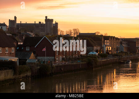 Arundel West Sussex, Friday 6th April. UK Weather,With temperatures expected to reach 13 degrees today, the historic market town of Arundel wakes up to a truly glorious start to the day. © Photovision Images News / Alamy Live News. - Stock Image