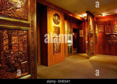 Copperware art of Albert Gilles artist museum store - Stock Image
