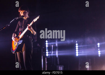 London, UK, 28th Jan 2016. Daughter Live Performance at o2 Kentish Town Forum. © Robert Stainforth/Alamy - Stock Image