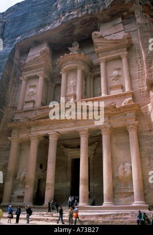 Jordan Petra Siq Al Khazna Pharaohs Tomb - Stock Image