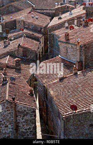 Terracotta rooftops, Sorano, Province of Grosseto, Tuscany, Italy - Stock Image