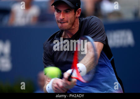 New York, United States. 29th Aug, 2018. Flushing Meadows, New York - August 29, 2018: US Open Tennis: Andy Murray of Great Britain during his second round match to Fernando Verdasco of Spain at the US Open in Flushing Meadows, New York. Verdasco won the match in four sets. Credit: Adam Stoltman/Alamy Live News - Stock Image