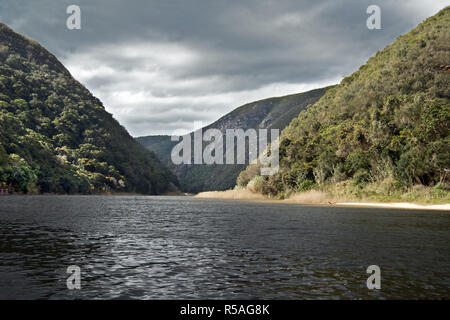 Keurbooms River is in the Western Cape Province of South Africa. It flows into the Indian Ocean through the Keurbooms Estuary near Plettenberg Bay. - Stock Image