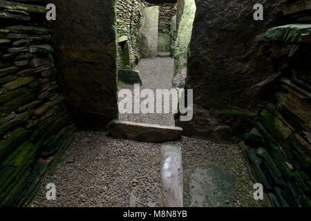 Unstan prehistoric chambered stalled cairn Neolithic Stone Age tomb. Orkney, Scotland. Interior. Orkney-Cromarty - Stock Image