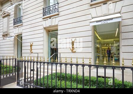 PARIS, FRANCE - JULY 22, 2017: Yves Saint Laurent fashion luxury store in avenue Montaigne in Paris, France. - Stock Image