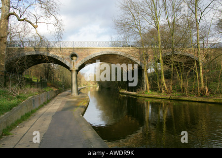Macclesfield Bridge Over the Regents Canal Connecting Avenue Road to the Outer Circle of Regents Park London aka - Stock Image