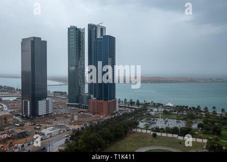 Abu Dhabi, UAE. 27th Mar 2019. Roof top View of Zayed Port Bay Area Abu Dhabi during rain Credit: Fahd Khan/Alamy Live News - Stock Image