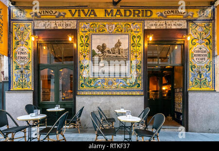 Famous restaurant Viva Madrid in the Barrio de las Letras or Literary Quarter. Dating back to 1856 it's also a tapas and cocktail bar. Madrid Spain. - Stock Image