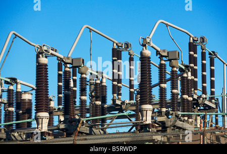 ABOVE, CABLES, ELECTRICITY, COMMUNICATIONS, DAWN, ELECTRIC, PYLON, ENERGY, NETWORK, OUTDOOR, OUTDOORS, OVERHEAD, - Stock Image