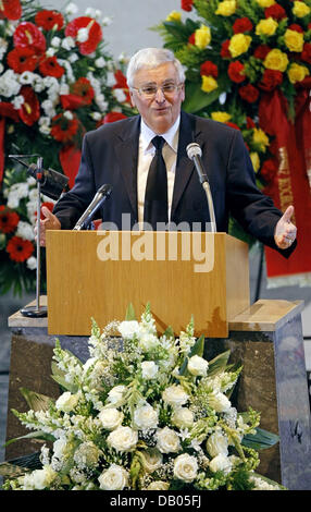 Theo Zwanziger President of the German Soccer Federation (DFB) speaks at Jupp Durwall's funeral at St. Konrad - Stock Image