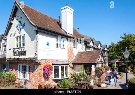 The Kingfisher Pub, Chertsey Bridge Road, Chertsey, Surrey, England, United Kingdom - Stock Image