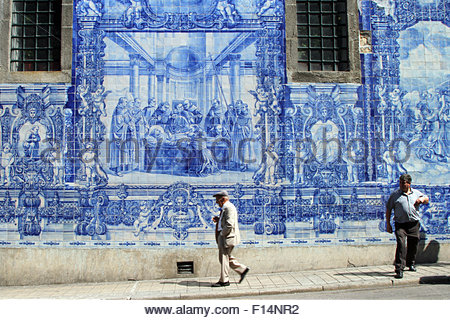 Porto, Portugal. 21st Aug, 2015. © Dominic Dudley/Pacific Press/Alamy Live News - Stock Image