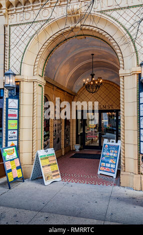 GREENSBORO, NC, USA-2/14/19: The archway entrance to the 1927 Piedmont building, at 114 N. Elm St. - Stock Image