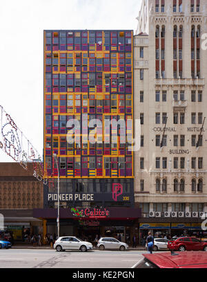 Front elevation across street of Pioneer Place amd adjacent art deco building. Pioneer Place, Durban, South Africa. - Stock Image
