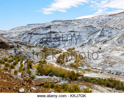 Morocco, SoussMassa (Sous-Massa-Draa), Ouarzazate Province. Atlas Mountains landscape after fresh snowfall. - Stock Image