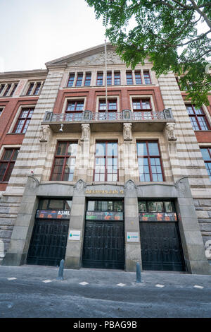The old stock exchange building, Beurs of Berlage, nearby the Dam in Amsterdam - Stock Image