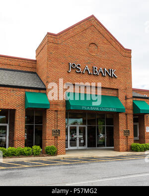 HICKORY, NC, USA-21 JUNE 18: Joseph A. Bank is a retailer of men's clothing in over 500 retail stores in the USA, and by catalog and on the internet. - Stock Image