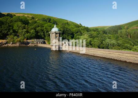 The Pen-y-Garreg dam Elan Valley Ryhayader Powys Wales UK - Stock Image