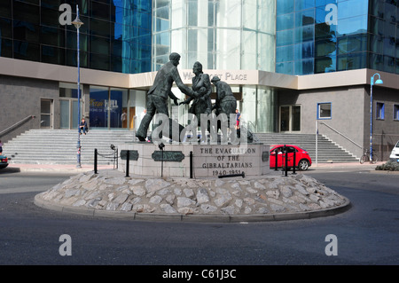 Memorial to the evacuation of Gibraltarians during WW2, Gibraltar - Stock Image